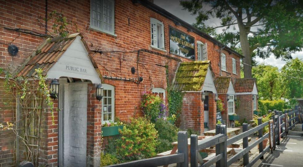 Horse-and-Groom-pub-woodgreen