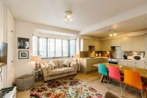 Battersea park lounge ideal for solo travellers
